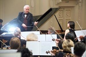 Академический симфонический оркестр Московской филармонии по праву занимает одно из ведущих мест в мировом симфоническом искусстве.