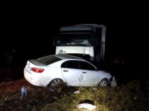 Ночью 8 ноября дежурная смена спасателей ПСО Сызрани выехала на 905 км трассы М5, где произошло столкновение трех большегрузов и легкового автомобиля.