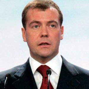 Медведев в интервью российским телеканалам подведет итоги года Он расскажет об основных задачах кабмина на будущее.