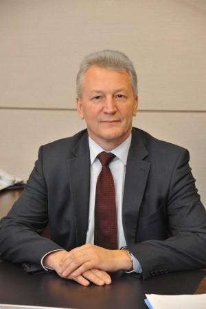 До этого он был руководителем министерства строительства Самарской области.