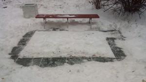 С детской площадки в Самаре неизвестные похитили новое резиновое покрытие