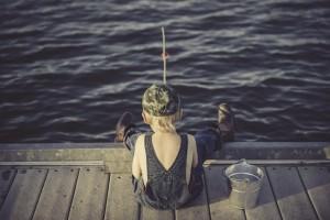 Согласно закону, граждане страны получат «свободный бесплатный доступ к любительской рыбалке». Ограничения будут действовать лишь на землях обороны и безопасности, на участках, выделенных для производства аквакультуры, а также на особо охраняемых природны