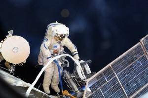 Космонавты Олег Кононенко и Сергей Прокопьев успешно совершили выход в открытый космос