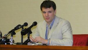 Родители Отто Вомбиера неоднократно заявляли, что в КНДР их сына подвергали жестоким пыткам.