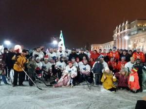 Новогодние старты на площади Куйбышева продолжаются Гостей ждут соревнования, мастер-классы, интерактивные спортивные площадки для всей семьи.