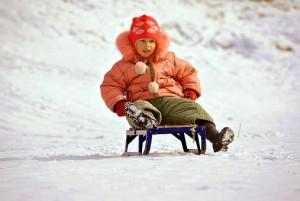 Как избежать детского травматизма зимой?  Советы родителям дает самарское облМЧС.