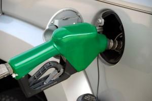В среднем подорожание составило от 50 до 80 копеек за литр топлива.