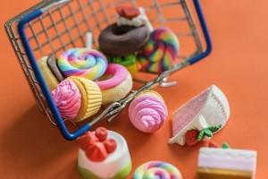Роспотребнадзор составит список продуктов, которые дети могут приносить в школу