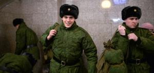 Парламентарий Вячеслав Володин отметил, что в настоящее время учащиеся из-за призыва зачатую не могут продолжить обучение в магистратуре.