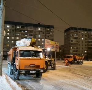 Обильный снегопад мобилизовал все службы благоустройства и ЖКХ Самары.