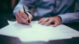 С 14 января Сбербанк повысил ставки по ипотечным кредитам на 1 процентный пункт для кредитов с первоначальным взносом от 20%. Для кредитов с первоначальным взносом менее 20% — на 1,2 процентных пункта.
