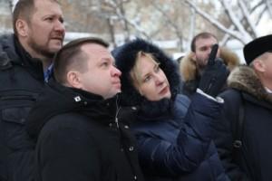 На улице Ленинградской Елена Лапушкина обратила внимание на большое количество кровель, не очищенных от снега и наледи.