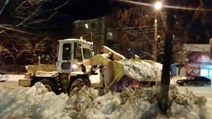 С начала зимы на полигоны с улиц Самары вывезли порядка 340 тысяч тонн снега Дороги мешает расчищать припаркованный транспорт.