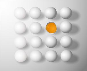 Учёные научили куриц нести яйца, которые помогут победить рак