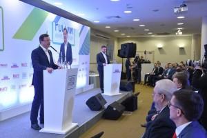 Дмитрий Азаров отметил, что сегодня в стране существует конкуренция среди работодателей за победителей этого конкурса.