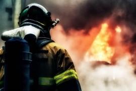 В Самаре в доме горело межэтажное перекрытие На борьбу с пожаром выезжали 22 человека.