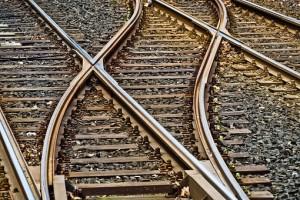 На станции Сызрань-1 при проведении маневровых работ, произошел сход электровоза