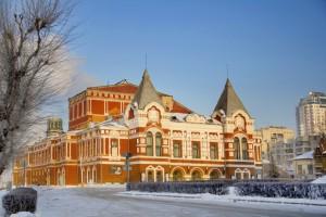 Губернатор поручил министерству строительства Самарской области обосновать необходимость расширения площадей театра.