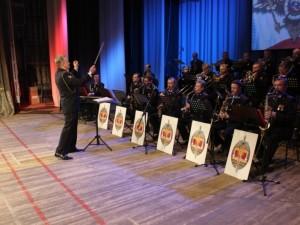 В составе оркестра – известные высокопрофессиональные музыканты, лауреаты международных конкурсов и фестивалей, доценты и преподаватели Самарских творческих ВУЗов