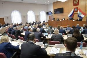 Как отметил Дмитрий Азаров, поддержка фермерских и крестьянских хозяйств крайне важна, и выразил уверенность, что в дальнейшем меры поддержки будут только увеличиваться.