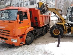Владимир Василенко отметил, что до конца зимнего сезона объем вывезенного снега может превысить 1 миллион тонн.