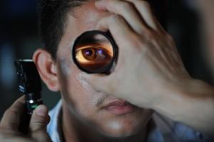 В течение трех недель офтальмологи по  полису ОМС осмотрят пациентов старше 18 лет с различной патологией органа зрения при наличии направления от  лечащего врача.