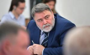 ЖКХ Артемьев назвал «коммунальными монстрами» и пообещал перевернуть сложившуюся ситуацию «с головы на ноги».