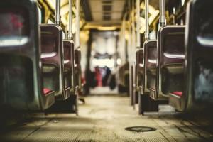 В Самаре временно меняется схема движения общественного транспорта по ул. Ставропольская Там ведутся аварийные работы.