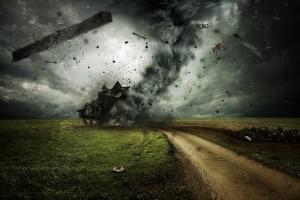Мэтт Гиллеспи из близлежащего населенного пункта Эллерсли с помощью дрона запечатлел последствия стихии.