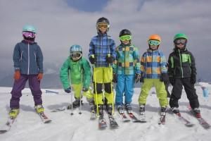 На лыжне встретятся около 300 юных спортсменов в возрасте от 15 до 18 лет из 22 регионов России.
