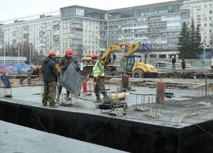 Начато устройство монолитных конструкций Дворца спорта на ул. Молодогвардейской в Самаре  Работы на стройплощадке ведутся в две смены.