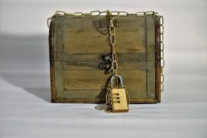 С начала года свыше 40 тысяч россиян объявили себя самозанятыми, однако вскоре столкнулись с блокировками своих счетов со стороны банков, которые запрещают физическим лицам использовать личные счета для ведения бизнеса.