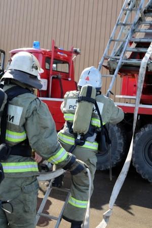 В Самаре в ТК «Амбар» в ходе пожарных учений эвакуировали более 400 человек: ФОТО