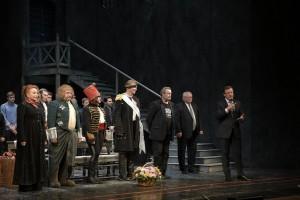 Глава региона поздравил актеров самарской драмы со Всемирным днём театра.