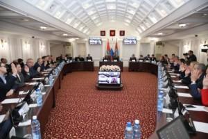 На заседании городской Думы обсуждался вопрос о назначении публичных слушаний по проекту новых правил благоустройства городских территорий.