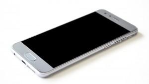 По данным М.Видео, в десятку самых популярных смартфонов попали 6 моделей Honor.