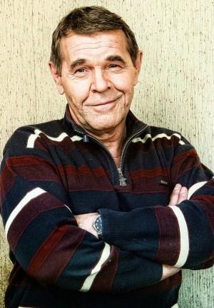 Актер, сыгравший одну из главных ролей в цикле фильмов про особенности национальной охоты, умер во сне из-за оторвавшегося тромба. Актеру было 68 лет.