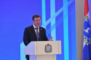 Губернатор Дмитрий Азаров обратился с Посланием к депутатам Самарской губернской думы и жителям региона.