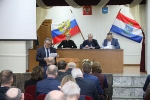 Елена Лапушкина поручила главам районных администраций активизировать работу по привлечению к уборке прилегающих территорий владельцев объектов потребительского рынка и крупных предприятий.