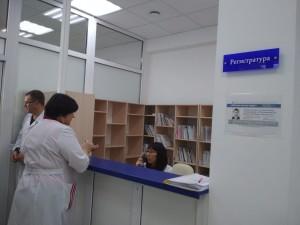 Помощь жителям оказывает врач-терапевт, трудоустроенный по программе «Земский доктор», и медицинская сестра.