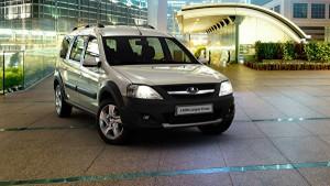 Одновременно состоялся дебют автомобиля на Петербургском международном автомобильном салоне.