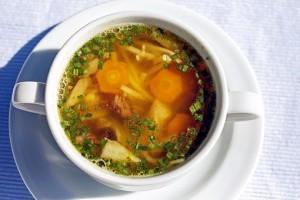 Названы самые полезные и самые вредные российские супы