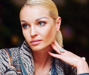 По словам Волочковой, она никогда не была подругой Собчак. Но когда журналистка попросила ее об интервью, решила гостеприимно впустить ее в свой дом.