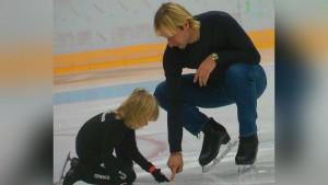 Рудковская отметила, что в России ее сыну Александру разрешают показывать эту программу.