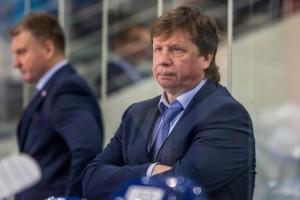 Бывший главный тренер хоккейной «Лады» Анатолий Емелин опроверг официальную версию своего ухода