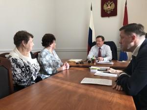 На личную встречу к руководителю региона пришли как жители областного центра, так и муниципальных районов губернии.