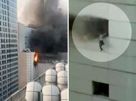 Пожар в крупнейшем торговом центре Таиланда: люди выпрыгивали из окон