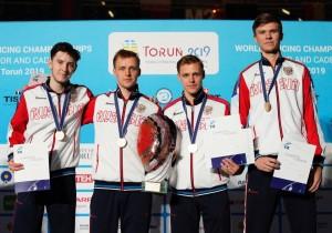 В полуфинале россияне встретились с командой из США – 45:32. В финальной встрече одолели французов – 45:38.