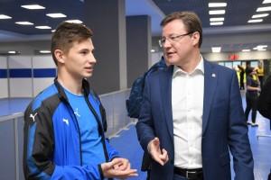 Дмитрий Азаров  поздравил игроков