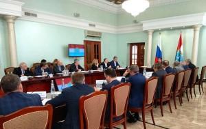 В совещании приняли участие ректоры ведущих вузов региона, ученые, члены правительства области.